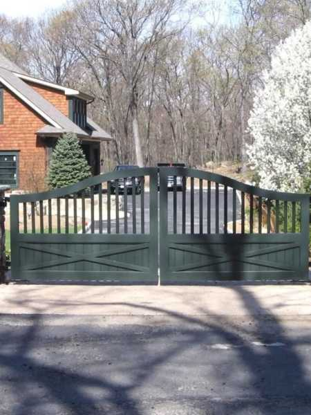 custom gate installed at Heath area home